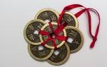 Как использовать монеты в качестве амулета