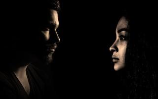 Заговоры, с помощью которых можно отвадить бывшую жену от мужа
