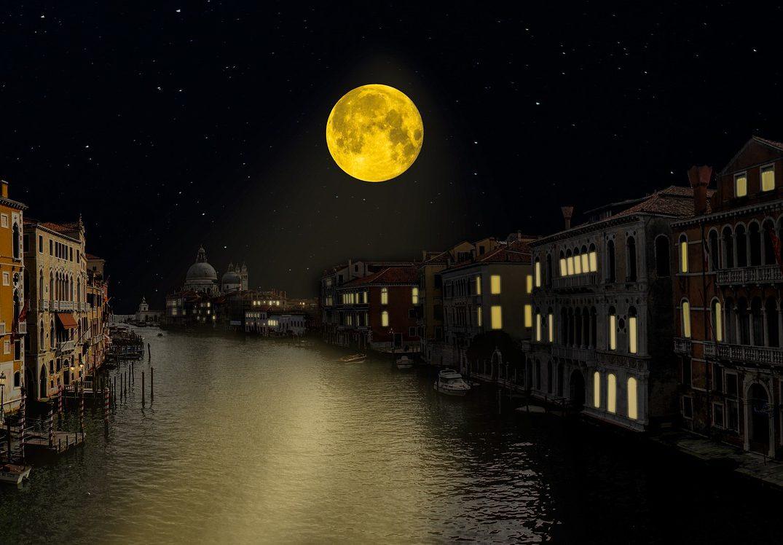 Заговор в растущую луну на деньги