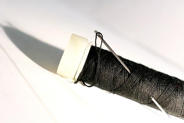 Черная нитка